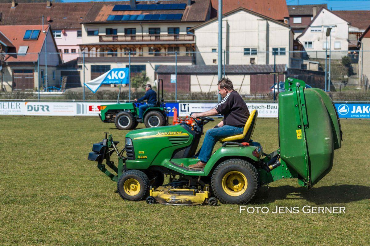 6. April: Rasenpflege